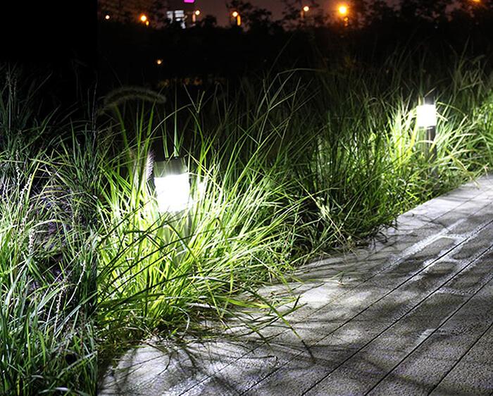 Đèn thảm cỏ năng lượng mặt trời