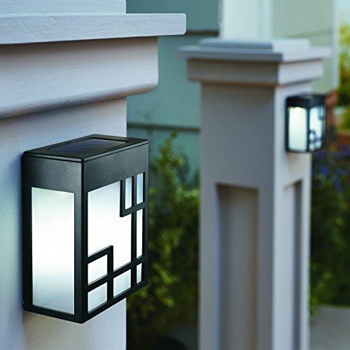 đèn ốp tường năng lượng mặt trời