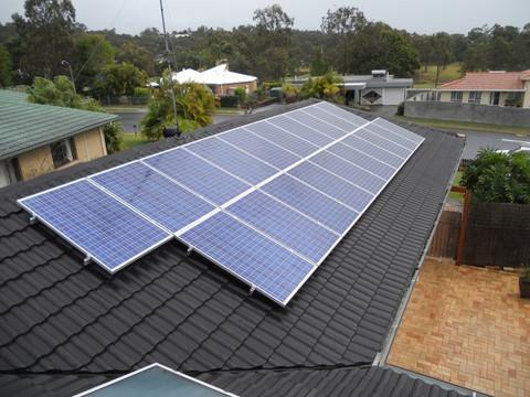 Có nên đầu tư năng lượng điện mặt trời thời điểm này