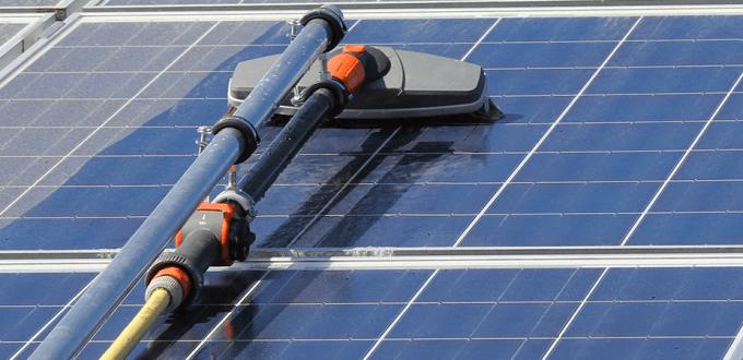 Làm thế nào để làm sạch tấm pin mặt trời